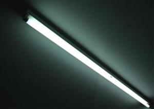 leuchtstoffroehre_325